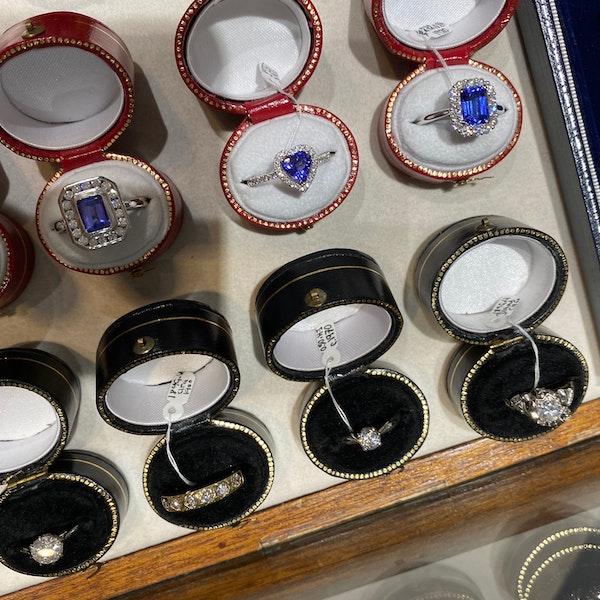 Tanzanite Diamond Ring in 18ct White Gold date circa 1970, SHAPIRO & Co since1979 - image 8