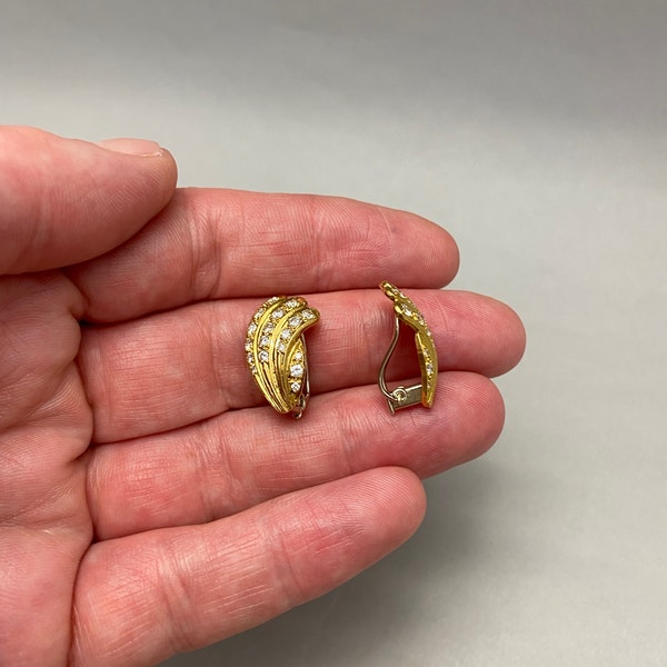 Diamond Clip Earrings in 18ct Gold by Mappin & Webb date London import mark for 1981, SHAPIRO & Co since1979 - image 5