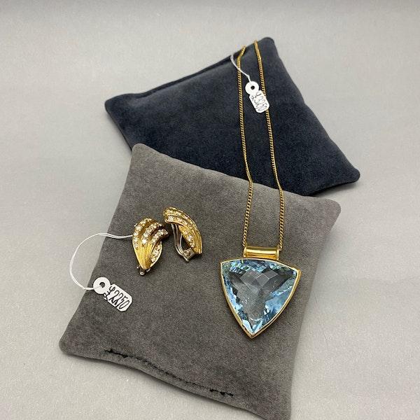 Diamond Clip Earrings in 18ct Gold by Mappin & Webb date London import mark for 1981, SHAPIRO & Co since1979 - image 7