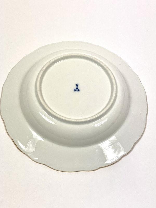 19th century Meissen soup bowls - image 3