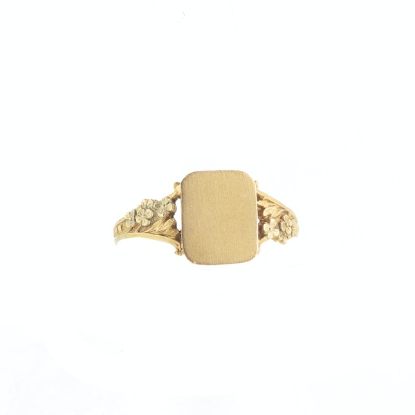 A French Art Nouveau Gold Signet Ring - image 1