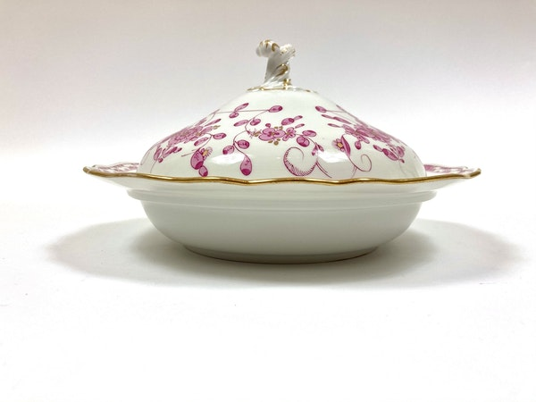 Pair 19th century Meissen vegetable tureens and covers - image 2