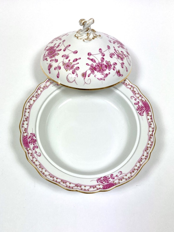 Pair 19th century Meissen vegetable tureens and covers - image 4