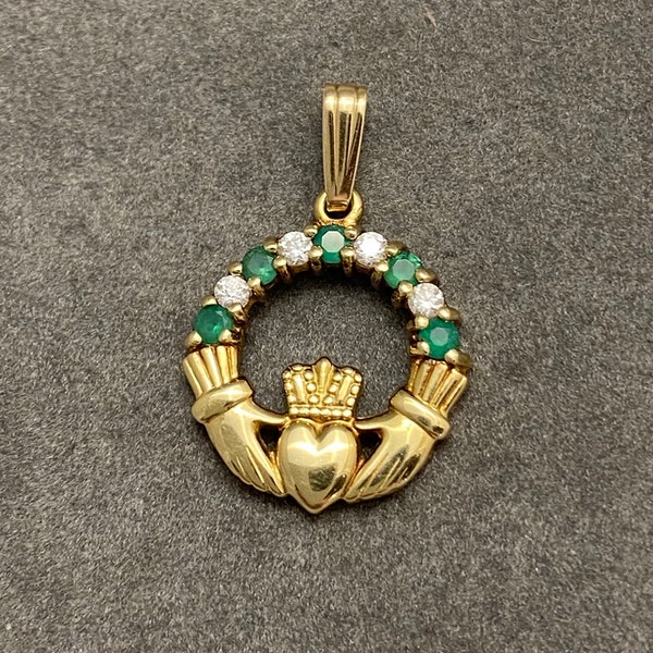 Charm in 9ct Gold with Emeralds & Diamonds date circa 1950, SHAPIRO & Co since1979 - image 1