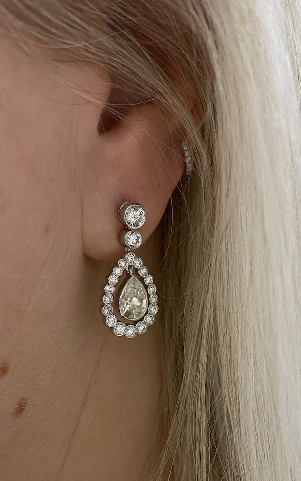 """""""Kate"""" Diamond teardrop earrings, 2.82 cts in total @Finishing Touch Stand 335 - image 3"""
