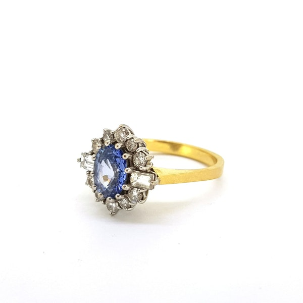 Vintage Sapphire & Diamond Cluster ring. HM 1988 @Finishing Touch, stand 335 - image 4