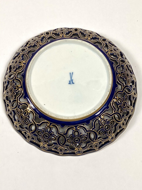 Reticulated Meissen bowl - image 4