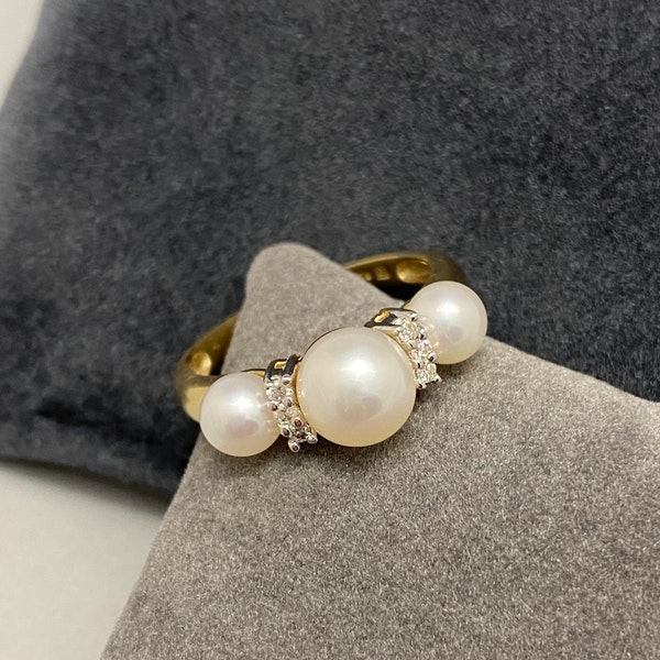 Pearl Diamond Ring in 14ct Gold date circa 1970, Lilly's Attic since 2001 - image 1
