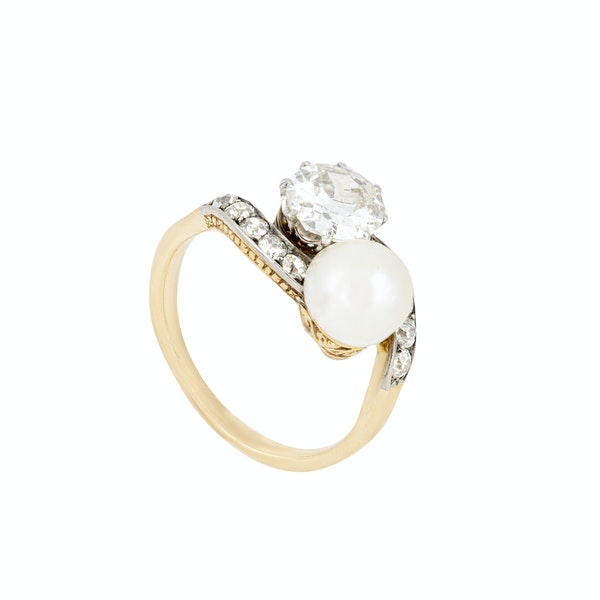 A Diamond Pearl Toi et Moi 18ct Gold Ring - image 2