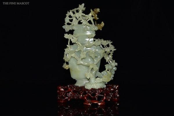 Talented jade stone carved perfume vase - image 1