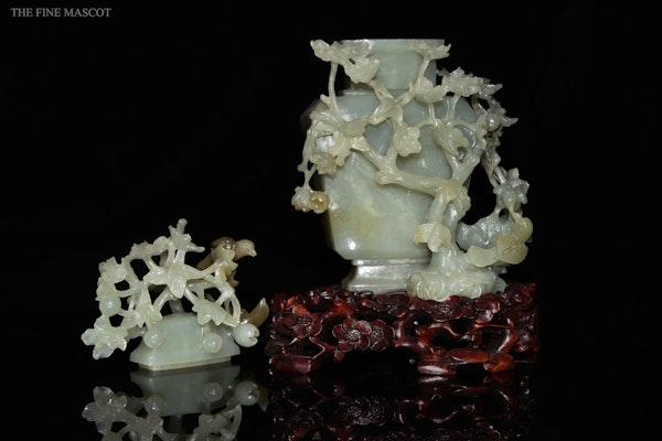 Talented jade stone carved perfume vase - image 8
