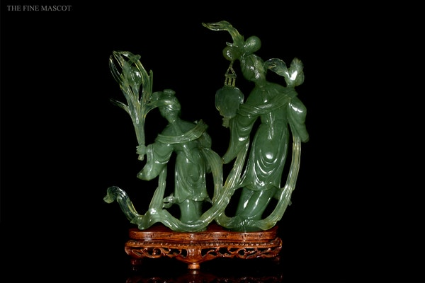 Green jade carved lady's sculpture - image 4