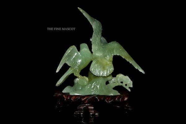 Carved jade beautiful birds sculpture - image 4