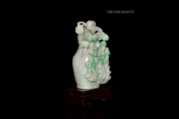 White jadeite monkey perfume vase - image 4