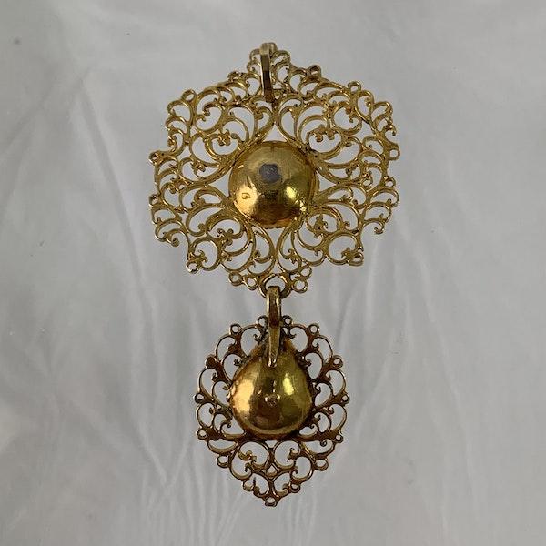Seventeenth century Portuguese pendant with emeralds - image 2