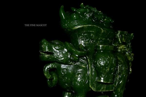 Green jade nephrite animal sculpture - image 2
