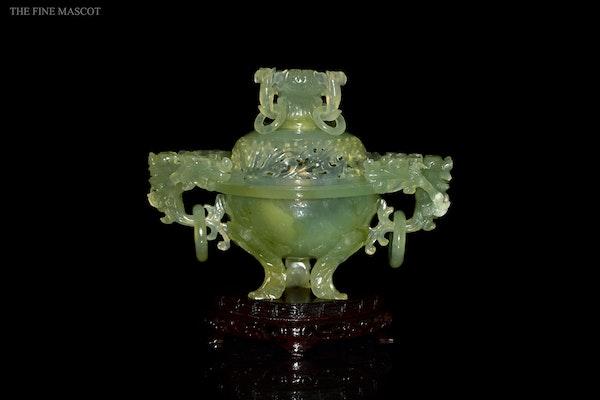 Translucent jade stone carved burner - image 1