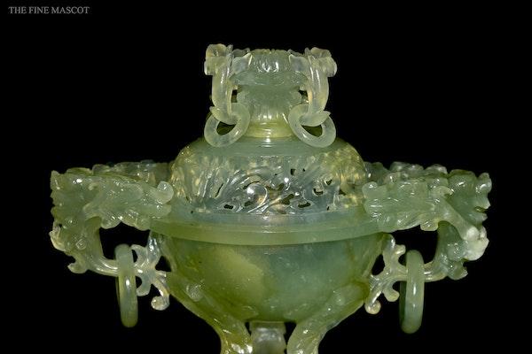 Translucent jade stone carved burner - image 3