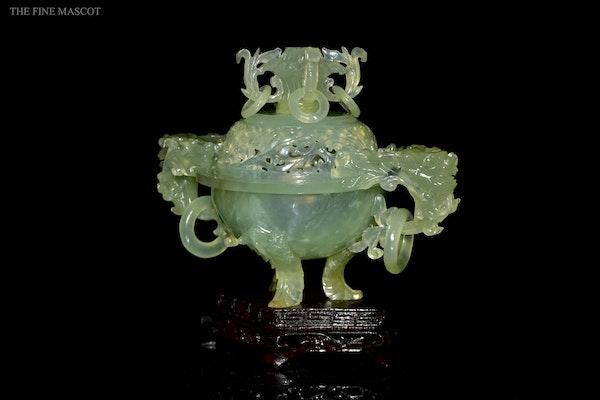 Translucent jade stone carved burner - image 5