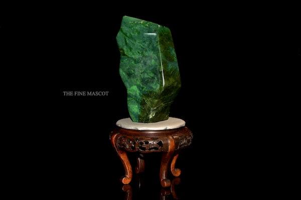 Beautiful fine green nephrite dreamstone - image 1