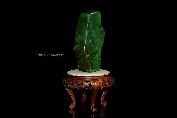 Beautiful fine green nephrite dreamstone - image 2