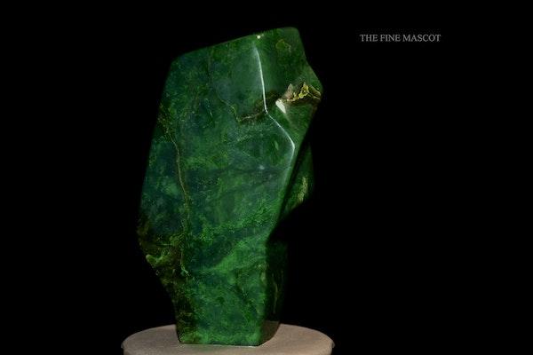 Beautiful fine green nephrite dreamstone - image 4