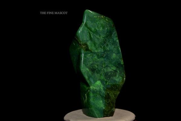 Beautiful fine green nephrite dreamstone - image 5