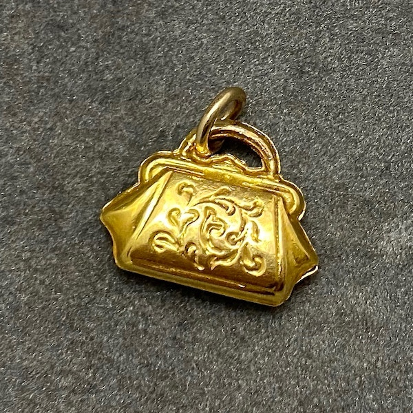 Charm Handbag in 9ct Gold dated Birmingham 1975, Lilly's Attic since 2001 - image 1