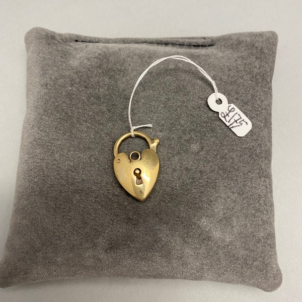 Charm puffy Heart in 9ct Gold date circa 1910, Lilly's Attic since 2001 - image 2