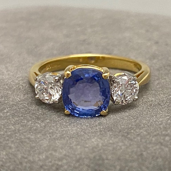 Sapphire Diamond Three Stone Ring in 18ct Yellow/White Gold dated London 1997, SHAPIRO & Co since1979 - image 1