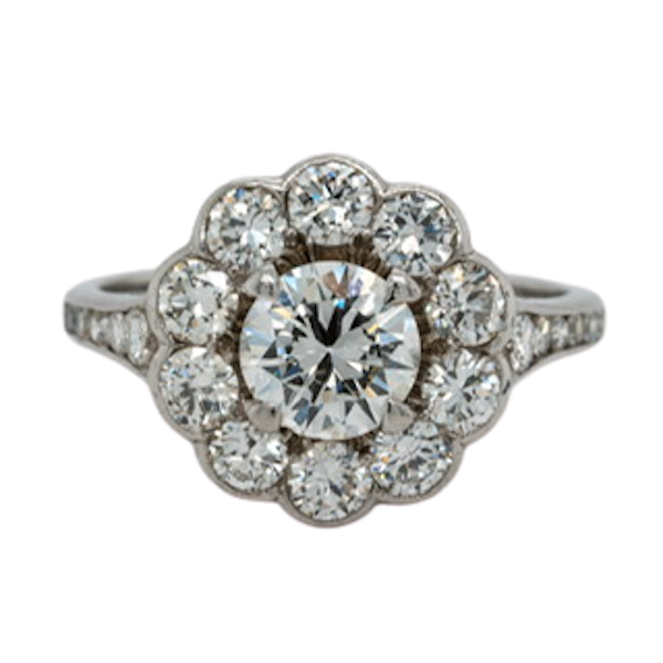 A diamond cluster ring - image 1