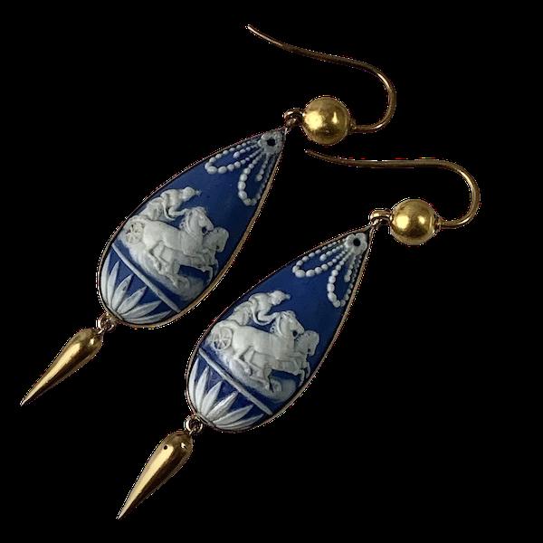 1840 Wedgwood gold earrings - image 1