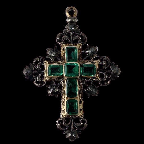 Seventeenth century cross with emeralds - image 1