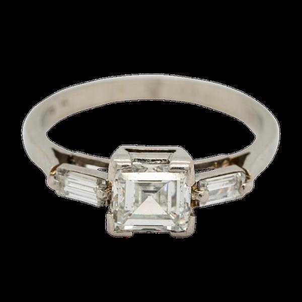 Art Deco diamond ring, asscher cut , 1 .25 ct est. centre with diamond shoulders - image 1