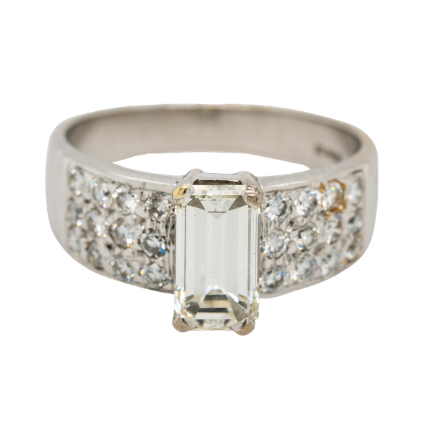 Emerald cut diamond ring of 1.40 ct with extended brilliant cut diamond shoulders . Certificated - image 1