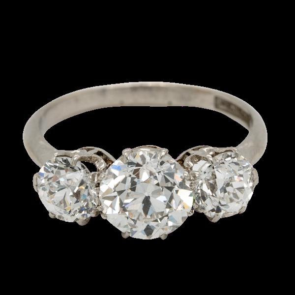 Cushion cut diamond engagement ring - image 1