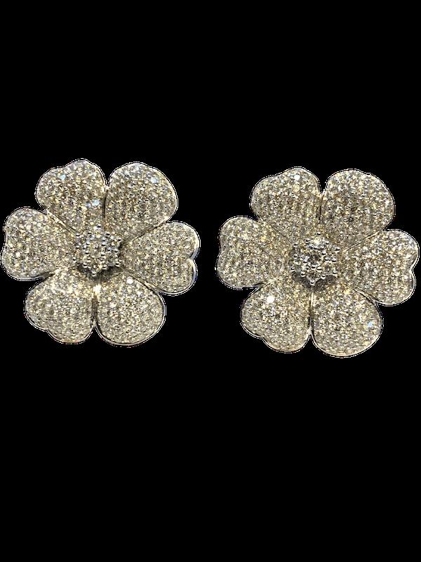 18K white gold 7.60ct Diamond Earrings - image 5