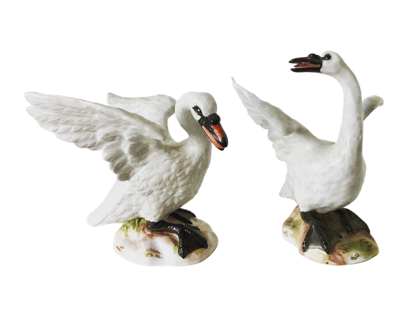 Pair of Meissen swans - image 1