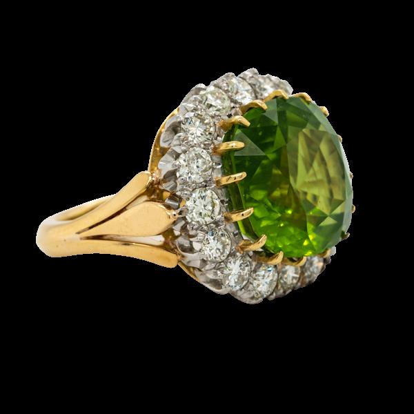 Fabulous Peridot and diamond rind - image 1