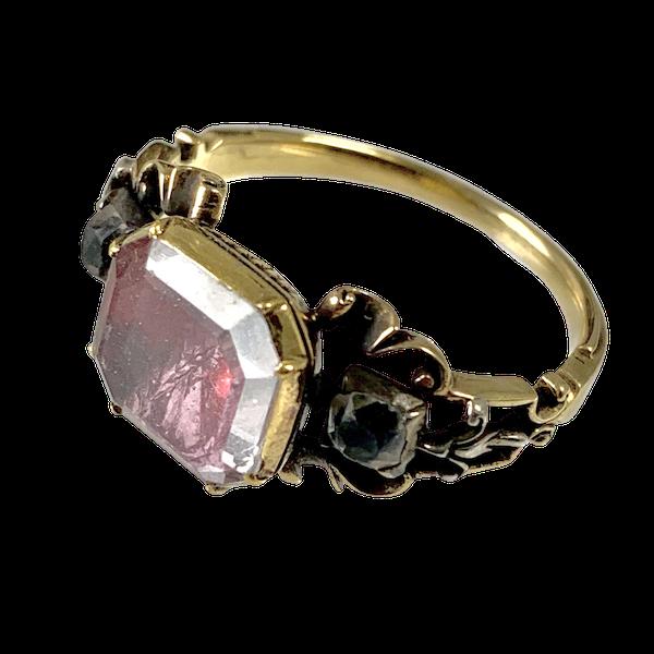 Eighteenth century gold ring - image 1