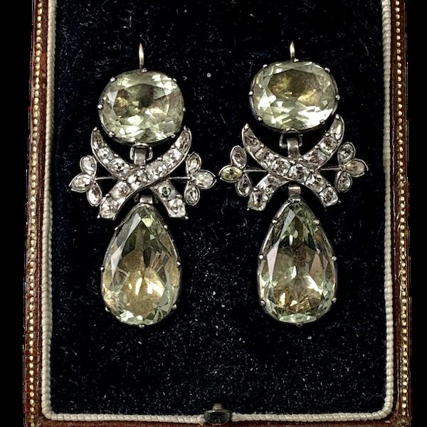 Pair of eighteenth century paste earrings - image 1
