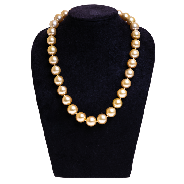 Pearl necklace - image 1