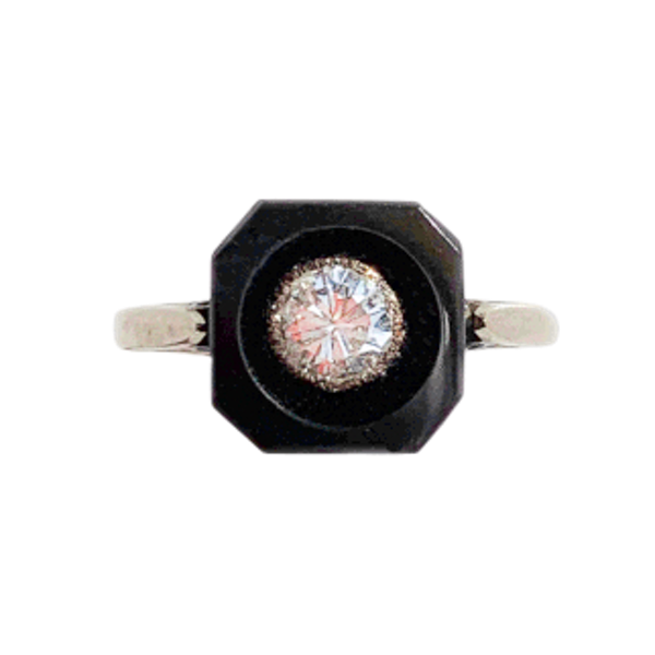 An Onyx and Diamond 18ct Gold Ring - image 1