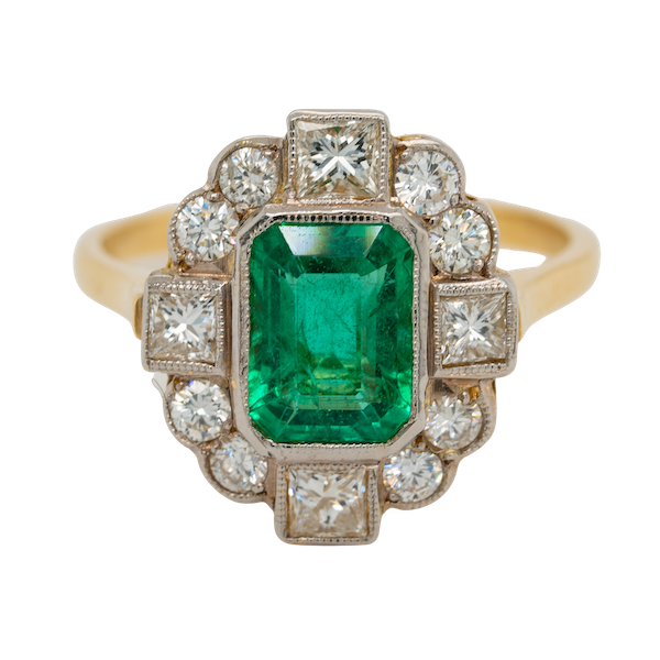 Emerald and diamond oval cluster ring - image 1