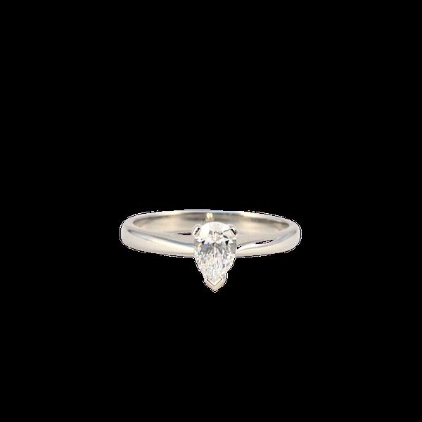 London 2003, Platinum, Pear shape Diamond stone set Ring, SHAPIRO & Co - image 7