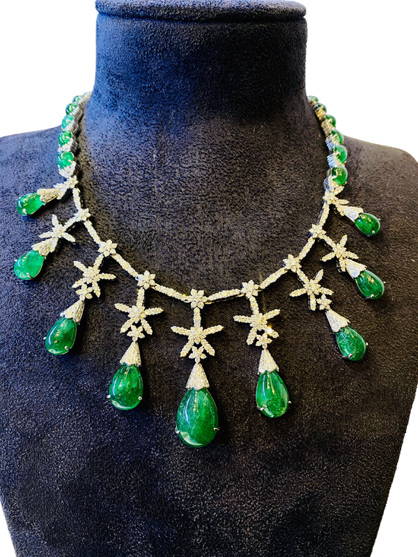 18K white gold Cabochon Natural Emerald and Diamond Necklace - image 2