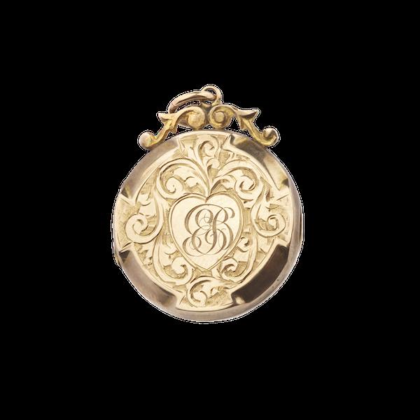 Victorian gold engraved round locket Spectrum Antiques - image 1