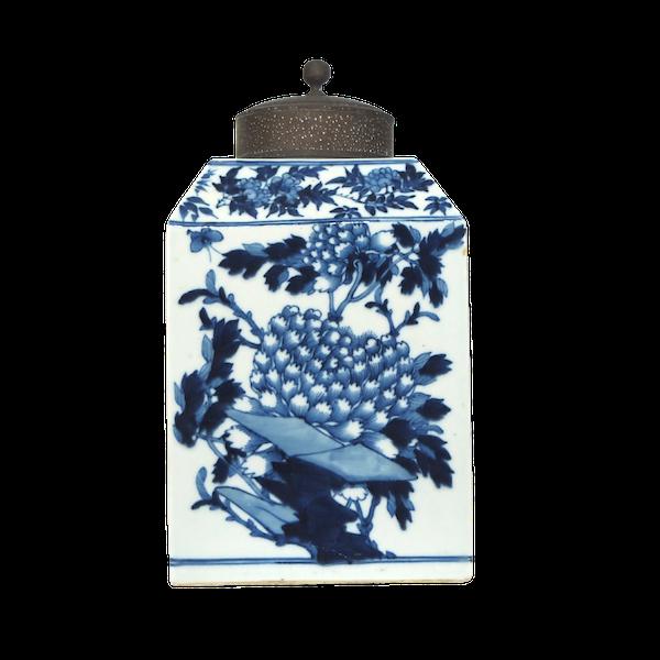 Chinese blue and white tea jar 18c - image 1