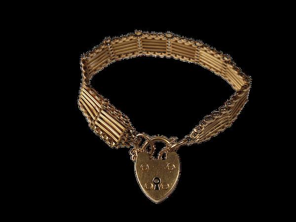 Antique Solid 18ct Gold Gate Bracelet  DBGEMS - image 1