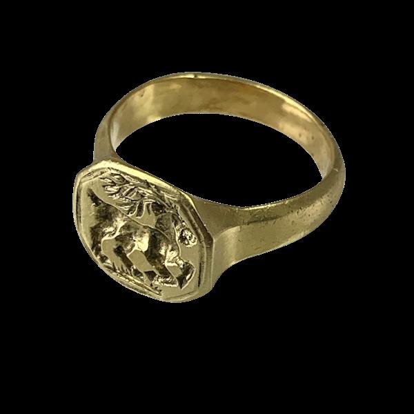 Seventeenth century engraved gold ring - image 1